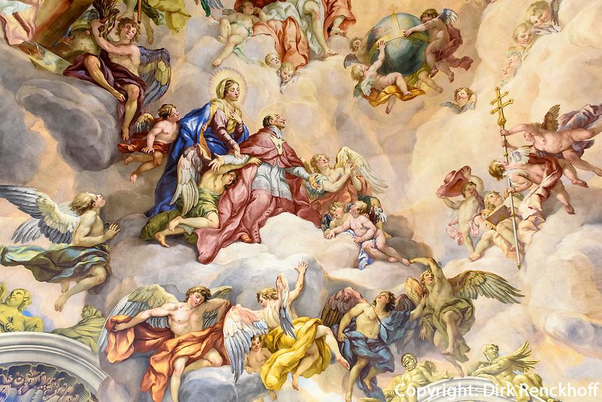 Barocke Bemalung der Kuppel der Karlskirche gemalt von Michael Rottmayer 1724-1729, Wien, &Ouml;sterreich, UNESCO-Weltkulturerbe<br /> Baroque Mural of the dome of Charles church painted by Michael Rottmayer 1724-1729 , Vienna, Austria, world heritage