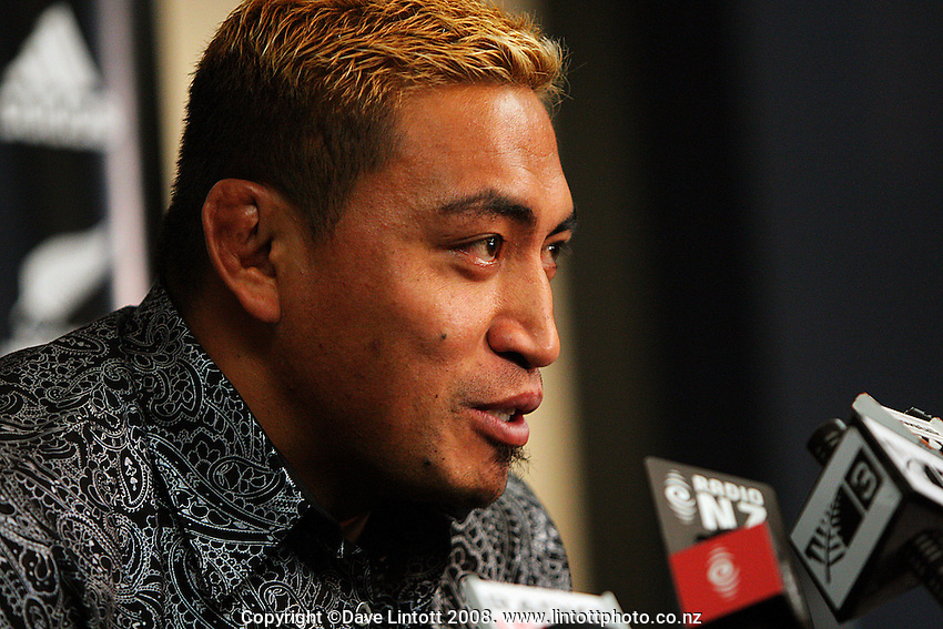 Jerry Collins announces his retirement from first-class rugby in New Zealand. Jerry Collins Retirement Press Conference. NZRU HQ, Wellington. Monday, 26 May 2008. Photo: Dave Lintott / lintottphoto.co.nz