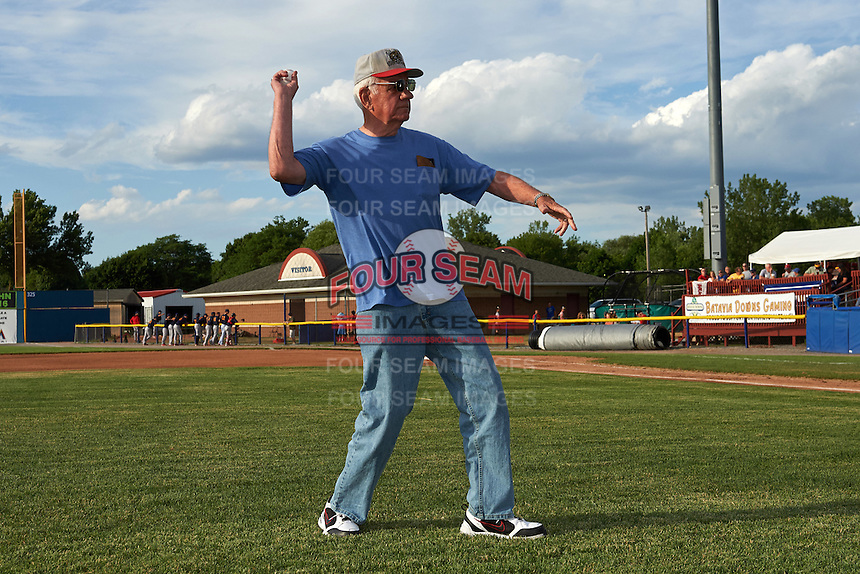 Batavia Muckdogs guest Jerry Maley throws out the ceremonial first pitch before a game against the State College Spikes on June 22, 2016 at Dwyer Stadium in Batavia, New York.  State College defeated Batavia 11-1.  (Mike Janes/Four Seam Images)