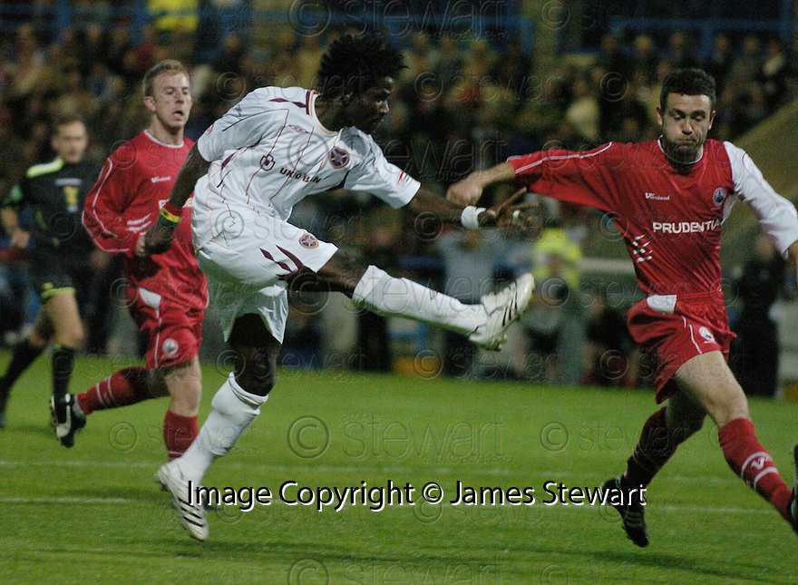28/08/2007       Copyright Pic: James Stewart.File Name : sct_jspa07_stirling_v_hearts.LARYEA KINGSTON SCORES HEARTS SECOND.James Stewart Photo Agency 19 Carronlea Drive, Falkirk. FK2 8DN      Vat Reg No. 607 6932 25.Office     : +44 (0)1324 570906     .Mobile   : +44 (0)7721 416997.Fax         : +44 (0)1324 570906.E-mail  :  jim@jspa.co.uk.If you require further information then contact Jim Stewart on any of the numbers above........