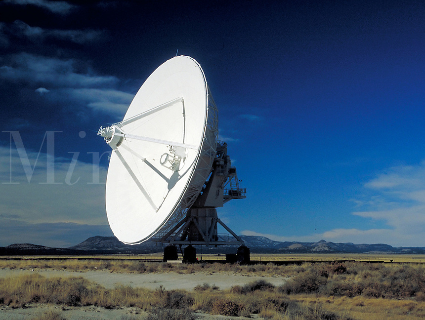 Very Large Array (VLA).  one satellite antenna dish. New Mexico, Plains of San Agustin.