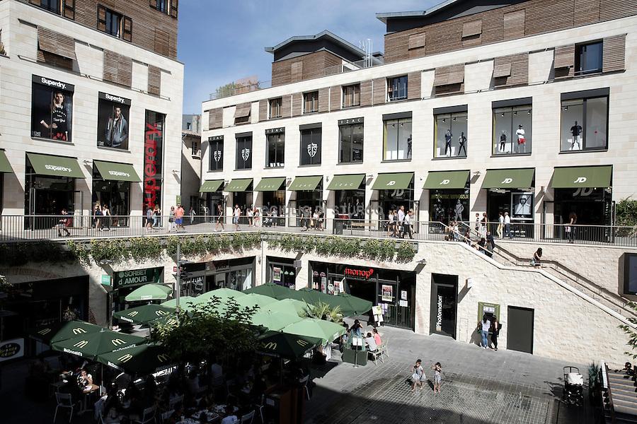 The Promenade Sainte - Catherine , the new outdoor mall