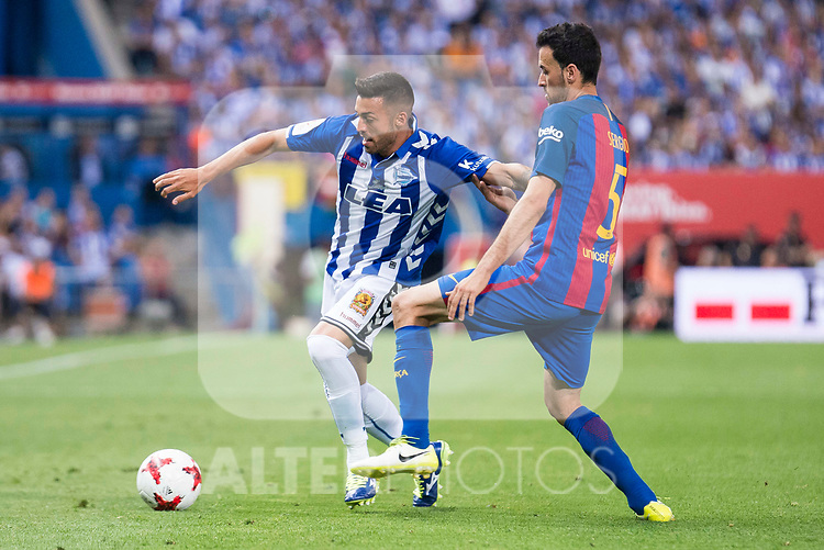 Deportivo Alaves's midfielder Victor Camarasa and FC Barcelona's midfielder Sergio Busquets during Copa del Rey (King's Cup) Final between Deportivo Alaves and FC Barcelona at Vicente Calderon Stadium in Madrid, May 27, 2017. Spain.<br /> (ALTERPHOTOS/BorjaB.Hojas)