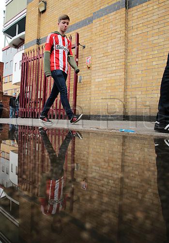 27.02.2016. Boleyn Ground, London, England. Barclays Premier League. West Ham versus Sunderland. A Sunderland fans arrives at The Boleyn Ground