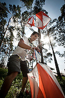 The scouts had a short track of orienteering to run. The current record was a minute. This scout clocked in on only 42 seconds setting a new record for the day. Photo: Eric Hampusgård/Scouterna