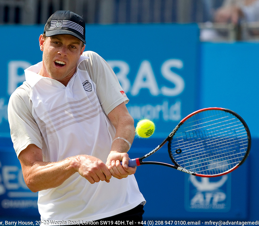 Sam Querrey (USA) against Mardy Fish (USA) in the final of the men's singles. Sam Querrey beat Mardy Fish 7-6 7-5..Tennis - ATP World Tour - AEGON Championships - Queen's Club - London - Day 7 - Sun 13 Jun 2010..© Frey - AMN Images,  1st Floor, Barry House, 20-22 Worple Road, London SW19 4DH.Tel - +44 (0) 208 947 0100.email - mfrey@advantagemedianet.com.www.advantagemedianet.com