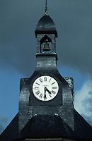 Europe/France/Bretagne/29/Finistère/Concarneau: Toiture en ardoise et horloge de la Tour de la Ville Close