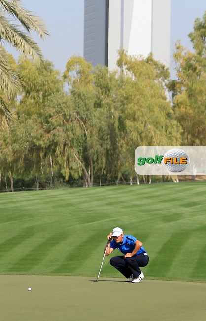 Martin Kaymer (GER) on the 17th green during Friday's Round 2 of the 2012 Omega Dubai Desert Classic at Emirates Golf Club Majlis Course, Dubai, United Arab Emirates, 10th February 2012(Photo Eoin Clarke/www.golffile.ie)