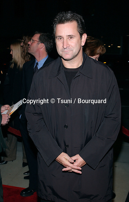 Anthony LaPaglia arriving at the premiere of Black Hawk Down at the Academy of Motion Picture Arts and Sciences in Los Angeles. December 18, 2001.            -            LaPagliaAnthony04.jpg