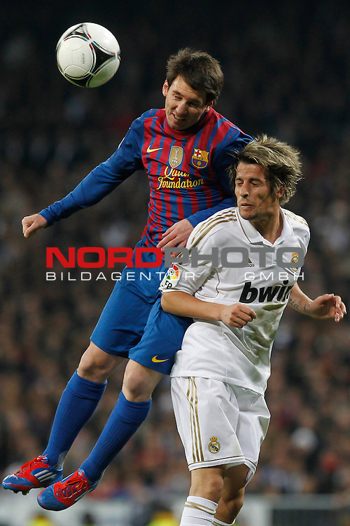 18.01.2012, Estadio Santiago Bernabéu, ESP, Madrid, Kings Cup, Real Madrid vs FC Barcelona, im Bild  Real Madrid's Fabio Coentrao and FC Barcelona's Lionel Messi during spanish King's Cup on January 18th 2012...Photo: Alex Cid-Fuentes / Foto © nph