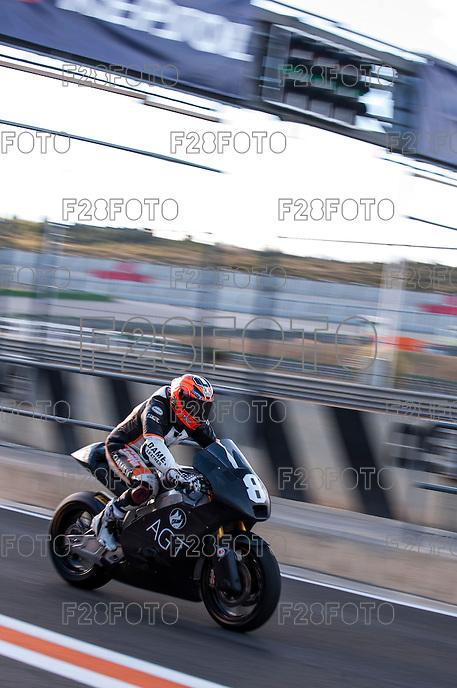 Gino Rea in pit line at pre season winter test IRTA Moto3 & Moto2 at Ricardo Tormo circuit in Valencia (Spain), 11-12-13 February 2014