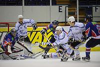 IJSHOCKEY: HEERENVEEN: IJsstadion Thialf, 02-01-2013, Eredivisie, Friesland Flyers - Eaters Geleen, eindstand 3-0, redding van Martijn Oosterwijk (#30 | goalie Flyers), Trevor Hunt (#24 | Flyers), Mitch Bruijsten (#20 | Eaters), ©foto Martin de Jong