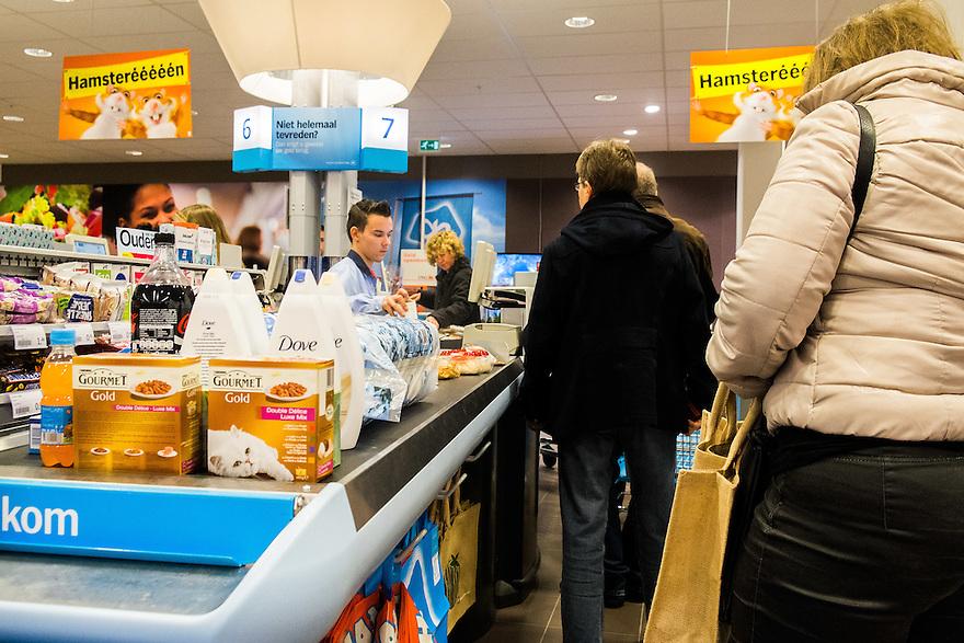 Nederland, Amsterdam, 11 jan 2014<br /> Kassa bij de Albert Heijn.<br /> <br /> Foto: Michiel Wijnbergh