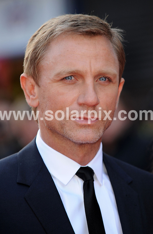 **ALL ROUND PICTURES FROM SOLARPIX.COM**.**WORLDWIDE SYNDICATION RIGHTS**.Daniel Craig attends the world premiere of Flashback of a Fool in London's West End..JOB REF:  6129  SSD     DATE: 13.04.08.**MUST CREDIT SOLARPIX.COM OR DOUBLE FEE WILL BE CHARGED* *UNDER NO CIRCUMSTANCES IS THIS IMAGE TO BE REPRODUCED FOR ANY ONLINE EDITION WITHOUT PRIOR PERMISSION*