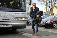 Gareth Ainsworth (Manager) of Wycombe Wanderers arrives at Kenilworth Road ahead of the Sky Bet League 2 match between Luton Town and Wycombe Wanderers at Kenilworth Road, Luton, England on 26 December 2015. Photo by David Horn.