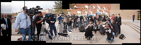 media outside, Warren Jeffs preliminary hearing before judge Schumate<br />