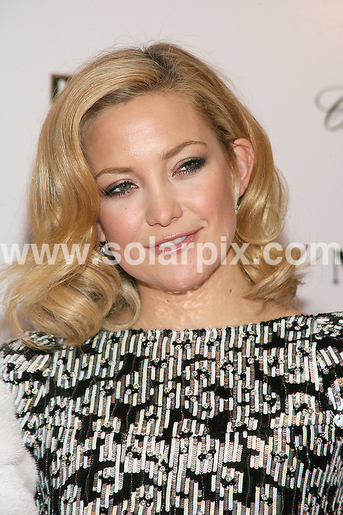 **ALL ROUND PICTURES FROM SOLARPIX.COM**.**SYNDICATION RIGHTS FOR UK, AUSTRALIA, DENMARK, PORTUGAL, S. AFRICA, SPAIN & DUBAI (U.A.E) ONLY**.arrivals for Nine, the New York Premiere at the Ziegfeld Theater, New York City, NY, USA. 15 December 2009..This pic: Kate Hudson..JOB REF: 10413 PHZ Gaboury  DATE: 15_12_2009.**MUST CREDIT SOLARPIX.COM OR DOUBLE FEE WILL BE CHARGED**.**MUST NOTIFY SOLARPIX OF ONLINE USAGE**.**CALL US ON: +34 952 811 768 or LOW RATE FROM UK 0844 617 7637**