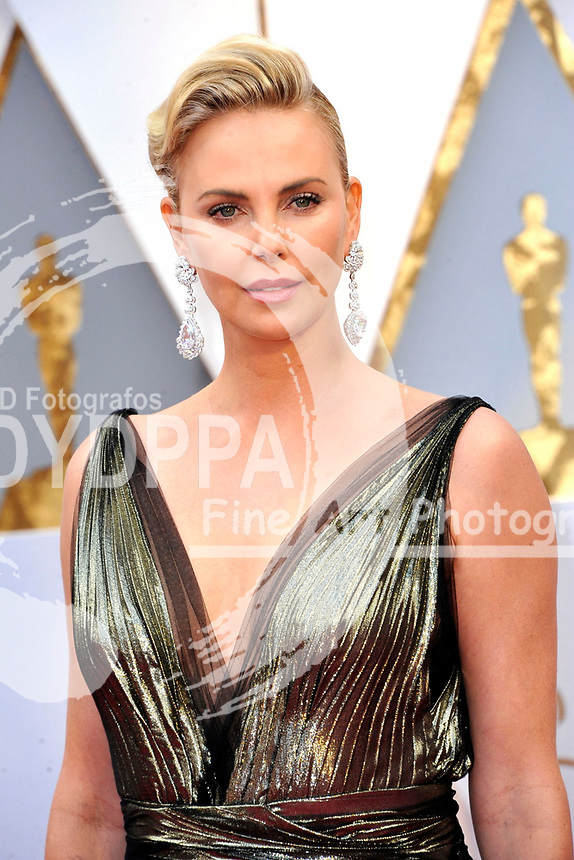 Charlize Theron attends the 89th Annual Academy Awards at Hollywood & Highland Center on February 26, 2017 in Hollywood, California.