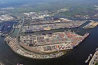 Containerhafen Hamburg: EUROPA, DEUTSCHLAND, HAMBURG, (EUROPE, GERMANY), 17.4.2010: Europa, Deutschland, Hamburg,  am Tag, am Tage, am Tage Tag tagsueber, Burchardkai CTB, Container Terminal Container-Terminal, Container, Globalisierung, Logistik, Transport, internationaler Handel, Welthandel, Container-Terminal Burchardkai, Containerbruecke, Containerbruecken, Containerfrachter, Containerhaefen, Containerhafen, Umschlaghafen, Containerlogistik, Containerriese, Containerriesen, Containerschiff, Containerschiffe, Containerterminal, Containerumschlag, Containerverkehr, Eurogate EG CTH, Haefen, Hafen, Hafenwirtschaft, HHLA, Luftaufnahme, Luftaufnahmen, Luftbild, Luftbilder, Luftfoto, Luftfotos, Luftphoto, Luftphotos, Schiff, Schiffe, Seehaefen, Seehafen, Universalhafen, Vogelperspektive, Vogelperspektiven, Waltershof, Waltershoferhafen Waltershofer Hafen, Wirtschaft, Wirtschaftszweig,  DEU , Deutschland , hamburg , Luftaufnahme von Hamburger container hafen , HHLA gelaende , Elbtunneleinfahrt , Container , Fracht , Wasser , Ankern , Archiv , Aufbewahren , Aufladen , Ausladen , Aussicht , Becken , Behaelter , Beladen , Bepacken , Boot , Cargoschiff , Containerschiff , Depot , Einladen , Entladen , Fernsicht , Flugaufnahme , Fluss , Frachter , Frachtgut , Frachtschiff , Gefaess , Hafen , Kanal , Kran , Laden , Ladung , Lagerraum , Lastkahn , luftbild , Oekonomie , Schiff , Schifffahrt , Speicher , Transport , Ueberblick , Ufer, HCCR, HPC,.c o p y r i g h t : A U F W I N D - L U F T B I L D E R . de.G e r t r u d - B a e u m e r - S t i e g 1 0 2, .2 1 0 3 5 H a m b u r g , G e r m a n y.P h o n e + 4 9 (0) 1 7 1 - 6 8 6 6 0 6 9 .E m a i l H w e i 1 @ a o l . c o m.w w w . a u f w i n d - l u f t b i l d e r . d e.K o n t o : P o s t b a n k H a m b u r g .B l z : 2 0 0 1 0 0 2 0 , K o n t o : 5 8 3 6 5 7 2 0 9.V e r o e f f e n t l i c h u n g  n u r  n a c h  H o n o r a r  a b s p r a c h e, N a m e n s n e n n u n g  u n d  B e l e g e x e m p l a r !.