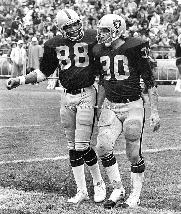 Raiders Raymond Chester and Mark Van Eeghen ..(1972 photo/Ron Riesterer)