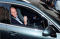 Juan Carlos of Spain arrives at the hospital of La Milagrosa to undergo surgery for his hip. March 03, 2013. (ALTERPHOTOS/Caro Marin) /NortePhoto