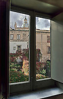 Palermo:view of the dome of the Church of St. Francesco Saverio in Albergheria district<br /> Palermo:vista della cupola della  Chiesa di San Francesco Saverio nel quartiere Albergheria.