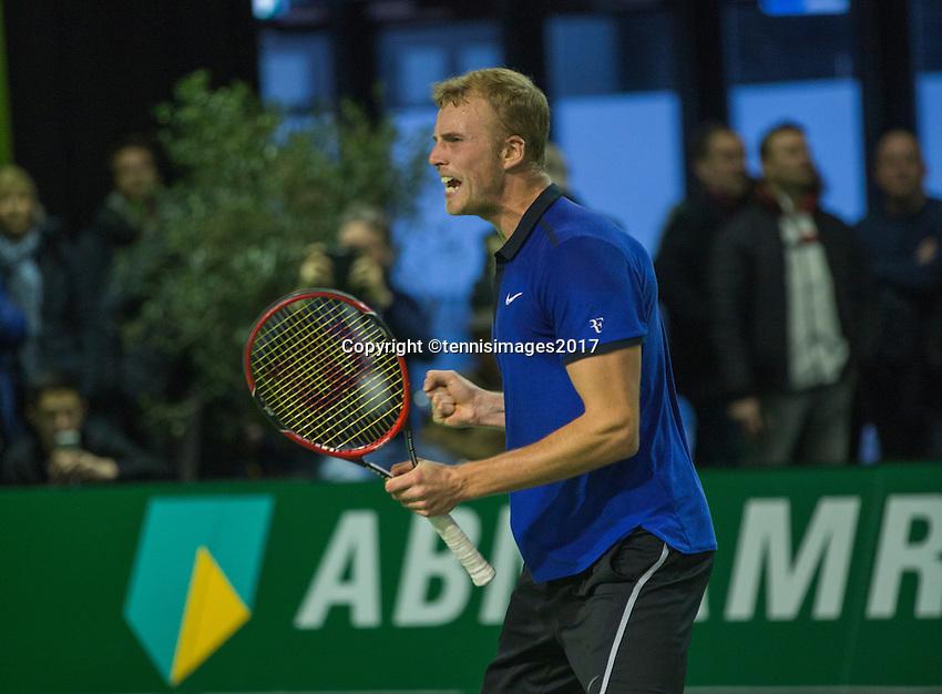 Rotterdam, Netherlands, 11 februari, 2017, ABNAMROWTT,  Final Supermatch, Glen Smit (NED) jubilates,