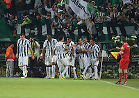 MEDELLÍN -COLOMBIA-19-03-2015. Jugadores de Atlético Nacional de Colombia celebran el gol de Jairo Palomino anotado a Barcelona de Ecuador durante partido  por los fase dos del grupo 7 de la Copa Bridgestone Libertadores 2015 jugado en el estadio Atanasio Girardot de Medellín, Colombia./ Players of Atletico Nacional of Colombia celebrate a goal of Jairo Palomino scored to Barcelona of Ecuador during match for the fase 2 of the key 7 of the Copa Libertadores championship 2015 played at Atanasio Girardot stadium in Medellin, Colombia. Photo: VizzorImage/León Monsalve/STR