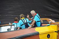 SKUTSJESILEN: LEMMER: Lemster Baai, 17-08-2012, IFKS skûtsjesilen, A-Klasse, skûtsje Jonge Rein, schipper Erik Jonker, Rein Jonker (adviseur), ©foto Martin de Jong