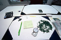 In Jaipur India, the world capital leader of Emerald cutter, the working table for selecting the size and the quality of colour of the stone