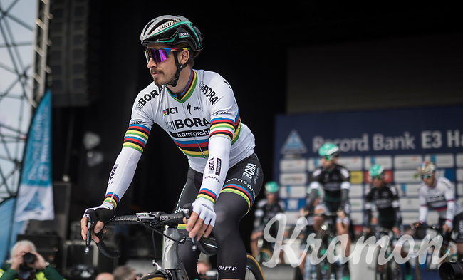 World Champion Peter Sagan (SVK/Bora-Hansgrohe) riding off the start presentation podium<br /> <br /> 60th E3 Harelbeke (1.UWT)<br /> 1day race: Harelbeke &rsaquo; Harelbeke - BEL (206km)