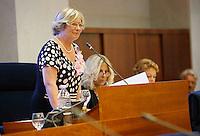 la  presidente del consiglio regionale Rosa D'Amelio durante  alla   prima seduta del Consiglio Regionale della Campania , Napoli 09 Luglio 2005