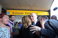 SAO PAULO, SP,  17 DE AGOSTO DE 2012. ELEICAO 2012 JOSE SERRA.  O candidato do PSDB a prefeitura de Sao Paulo, Jose Serra, percorreu a linha Esmeralda da CPTM e linha Amarela do Metrô pelos bairros do Brooklin e Pinheiros acompanhado do Governador Geraldo Alckmin e do senador Aloísio Nunes na tarde desta sexta feira. FOTO ADRIANA SPACA - BRAZIL PHOTO PRESS