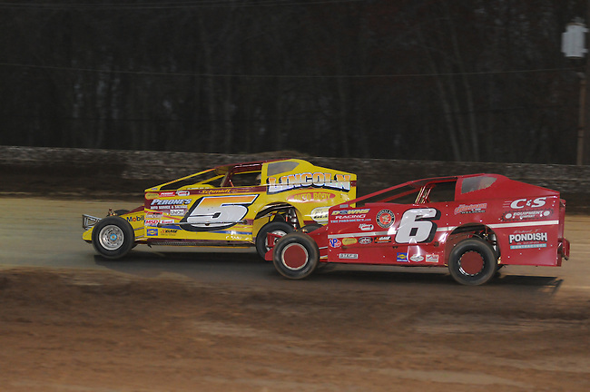 Jimmy Horton and Duane Howard battle in the closing laps of the Roc Poker Series 60 at Bridgeport Speedway