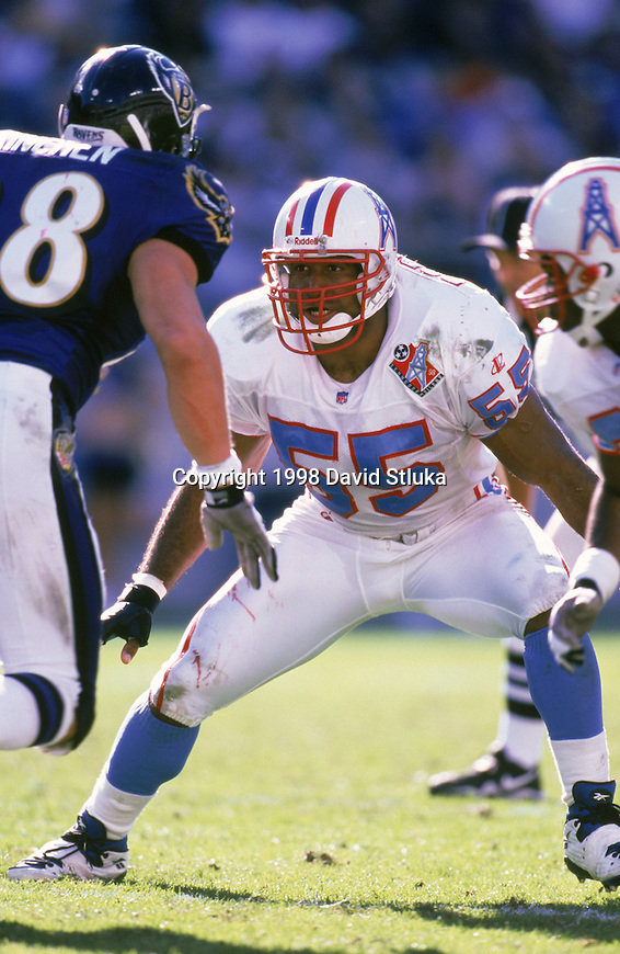Tennessee Oilers linebacker Eddie Robinson (55) plays defense during an NFL football game against the Baltimore Ravens at M & T Bank Stadium on October 11,1998 in Baltimore, Maryland. The Oilers won 12-8. (Photo by David Stluka)