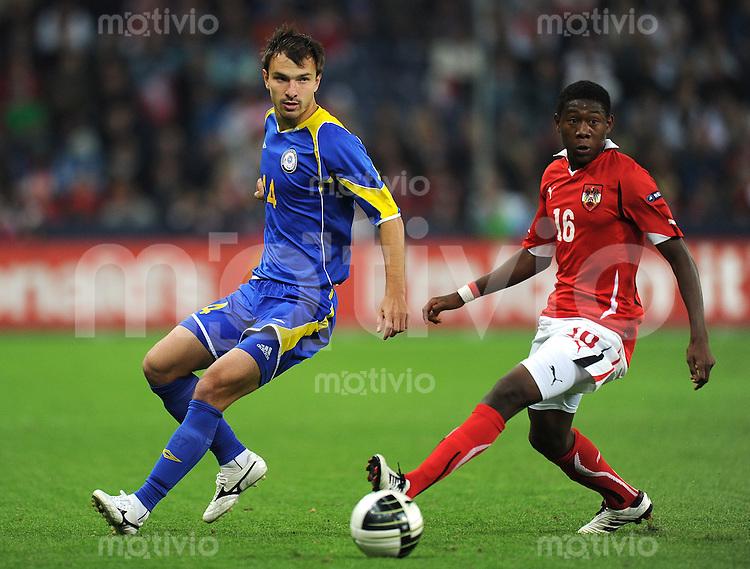 FUSSBALL INTERNATIONAL  EM 2012 - Qualifikation  SAISON 2010/2011    Oesterreich - Kasachstan      07.09.2010 Mikhail Rozhkow (li, Kasachstan) gegen David ALABA (re, Oesterreich)