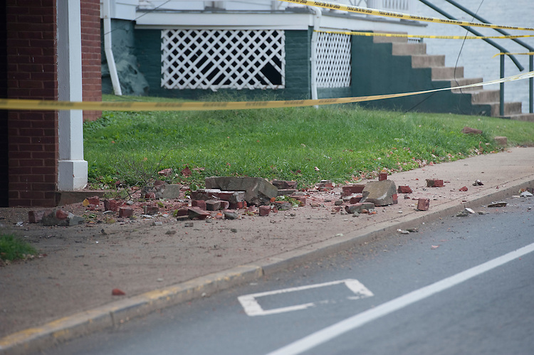 UNITED STATES - August 24 : The damage in downtown Culpeper Virginia from yesterdays earthquake was substantial and lots of streets and businesses are closed. (Photo By Douglas Graham/Roll Call)