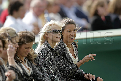 21 September 2006: American wives Elin Woods and Melissa Lehman at the opening ceremony for The 2006 Ryder Cup played at The K Club, Straffan, County Kildare, Ireland. Photo: Glyn Kirk/Actionplus....060921 woman portrait