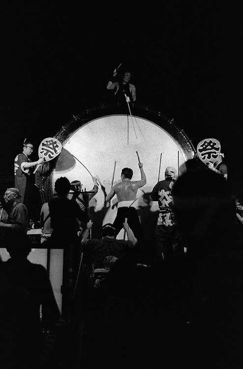People play huge drum in Nebuta Festival
