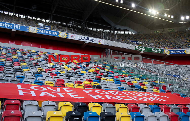 """Spruchband auf der Tribuene """" Love Fortuna, hate racism """" <br /><br />Fussball 1. Bundesliga, 33.Spieltag, Fortuna Duesseldorf (D) -  FC Augsburg (A), am 20.06.2020 in Duesseldorf/ Deutschland. <br /><br />Foto: AnkeWaelischmiller/Sven Simon/ Pool/ via Meuter/Nordphoto<br /><br /># Editorial use only #<br /># DFL regulations prohibit any use of photographs as image sequences and/or quasi-video #<br /># National and international news- agencies out #"""