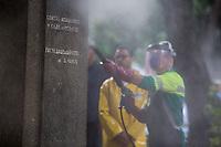 SÃO PAULO, SP, 11.02.2017 - CIDADE-LINDA -O prefeito João Dória realiza a sétima ação São Paulo Cidade Linda com a limpeza de monumentos na Praça da República, região central de São Paulo, na manhã deste sábado,11. (Foto: Ciça Neder / Brazil Photo Press)