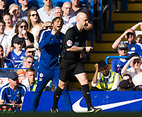Chelsea manager Antonio Conte complains to Referee Anthony Taylor <br /> <br /> Photographer Craig Mercer/CameraSport<br /> <br /> The Premier League - Chelsea v Liverpool - Sunday 6th May 2018 - Stamford Bridge - London<br /> <br /> World Copyright &copy; 2018 CameraSport. All rights reserved. 43 Linden Ave. Countesthorpe. Leicester. England. LE8 5PG - Tel: +44 (0) 116 277 4147 - admin@camerasport.com - www.camerasport.com