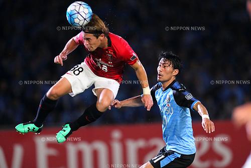 (L-R) <br /> Daisuke Kikuchi (Reds), <br /> Akihiro Ienaga (Frontale), <br /> AUGUST 23, 2017 - Football / Soccer : <br /> AFC Champions League 2017 Quarter-final 1st leg <br /> match between Kawasaki Frontale *-* Urawa Reds <br /> at Kawasaki Todoroki Stadium, Kanagawa, Japan. <br /> (Photo by Naoki Nishimura/AFLO SPORT)