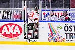 S&ouml;dert&auml;lje 2014-01-06 Ishockey Hockeyallsvenskan S&ouml;dert&auml;lje SK - Malm&ouml; Redhawks :  <br />  Malm&ouml; Redhawks Nicklas Jadeland blir utvisad och g&ouml;r tv&aring; lagkamrater s&auml;llskap i utvisningsb&aring;set<br /> (Foto: Kenta J&ouml;nsson) Nyckelord:  utvisning utvisad utvisas