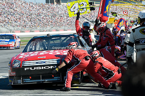 Oct 26, 2008; 2:30:52 PM;  Hampton, GA. USA; NASCAR Sprint Cup Series race at the Atlanta Motor Speedway for the  Pep Boys Auto 500.  Mandatory Credit: (thesportswire.net)