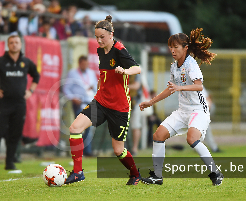 20170613 - LEUVEN ,  BELGIUM : Belgian Elke Van Gorp (L) and Japanese Emi Nakajima (R) pictured during the female soccer game between the Belgian Red Flames and Japan , a friendly game before the European Championship in The Netherlands 2017  , Tuesday 13 th Juin 2017 at Stadion Den Dreef  in Leuven , Belgium. PHOTO SPORTPIX.BE | DIRK VUYLSTEKE