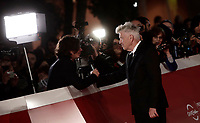 Il regista statunitense David Lynch parla con i giornalisti sul red carpet della Festa del Cinema di Roma, 4 novembre 2017 .<br /> US director David Lynch speaks with journalists on the red carpet at the international Rome Film Festival at Rome's Auditorium, November 4, 2017  .<br /> UPDATE IMAGES PRESS/Isabella Bonotto