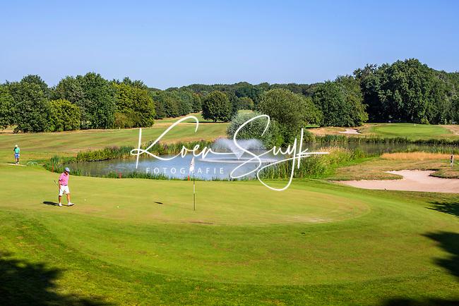 GROESBEEK  - green hole Noord 9 met op de achtergrond Oost 1.  ,  Golf op Rijk van Nijmegen.   COPYRIGHT KOEN SUYK