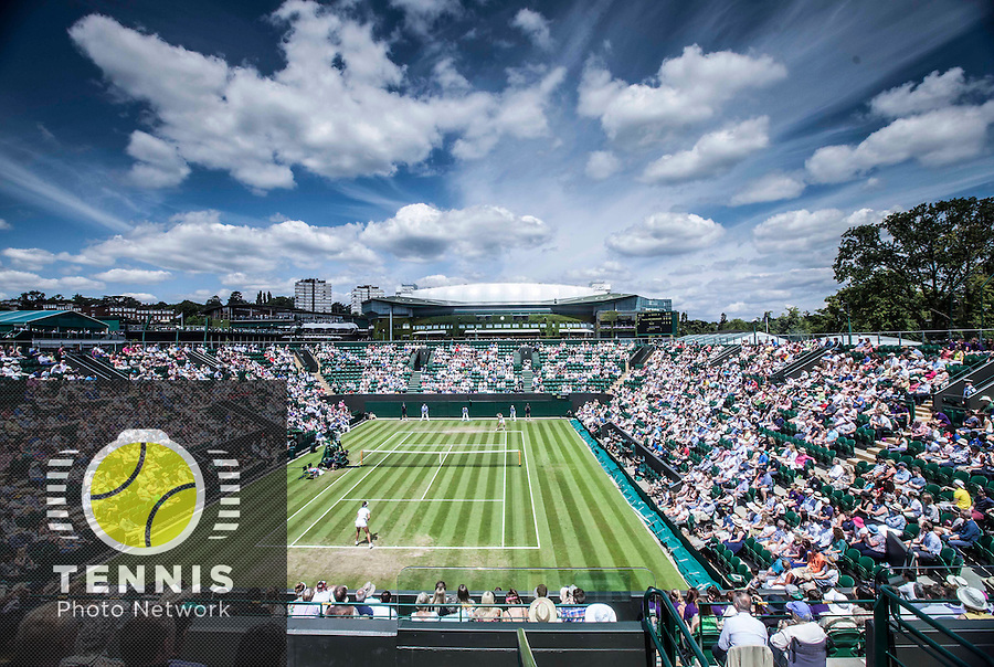 AMBIENCE<br /> <br /> The Championships Wimbledon 2014 - The All England Lawn Tennis Club -  London - UK -  ATP - ITF - WTA-2014  - Grand Slam - Great Britain -  25th June 2014. <br /> <br /> © Tennis Photo Network