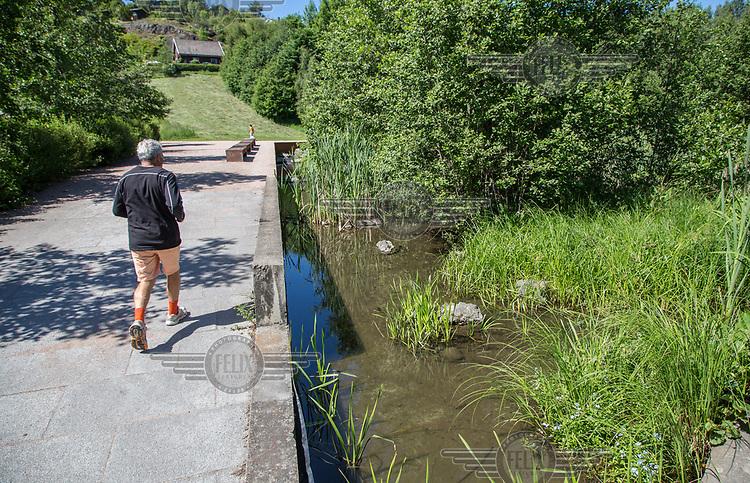 Alnaelva ved H&oslash;lal&oslash;kka vannpark. <br />  &copy; Fredrik Naumann/Felix Features